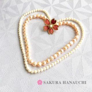 桜のブローチ大島紬