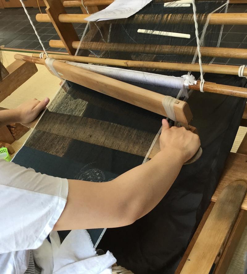結城紬・織