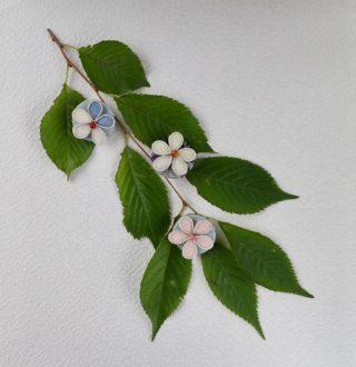 結城紬お花のブローチ